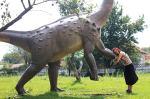 Dinozauri, zimbri și-o biserică ciudată [Adventureee, ziua3]