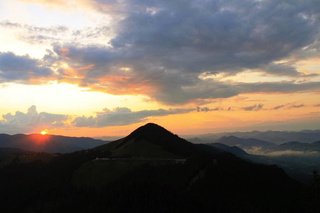 Apus Munții Rarău